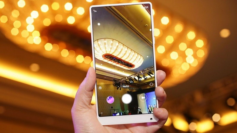 Xiaomi Mi MIX giá rẻ bất ngờ xuất hiện thực tế trên tay người dùng