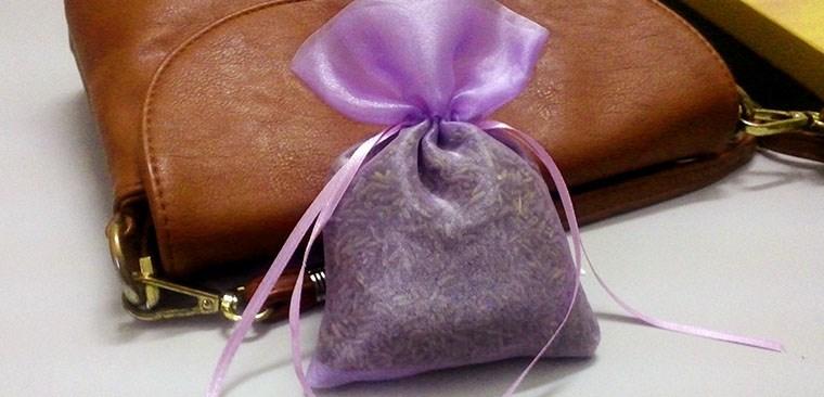 Đặt túi thơm trong nhà