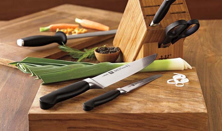 Vệ sinh dao, kéo đúng cách