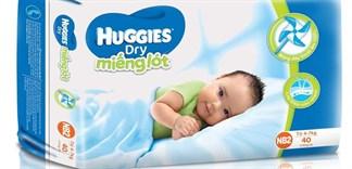 Vì sao bé sơ sinh nên dùng miếng lót?