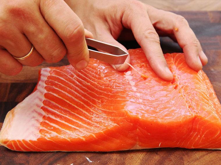 Chế biến cá hồi đúng cách
