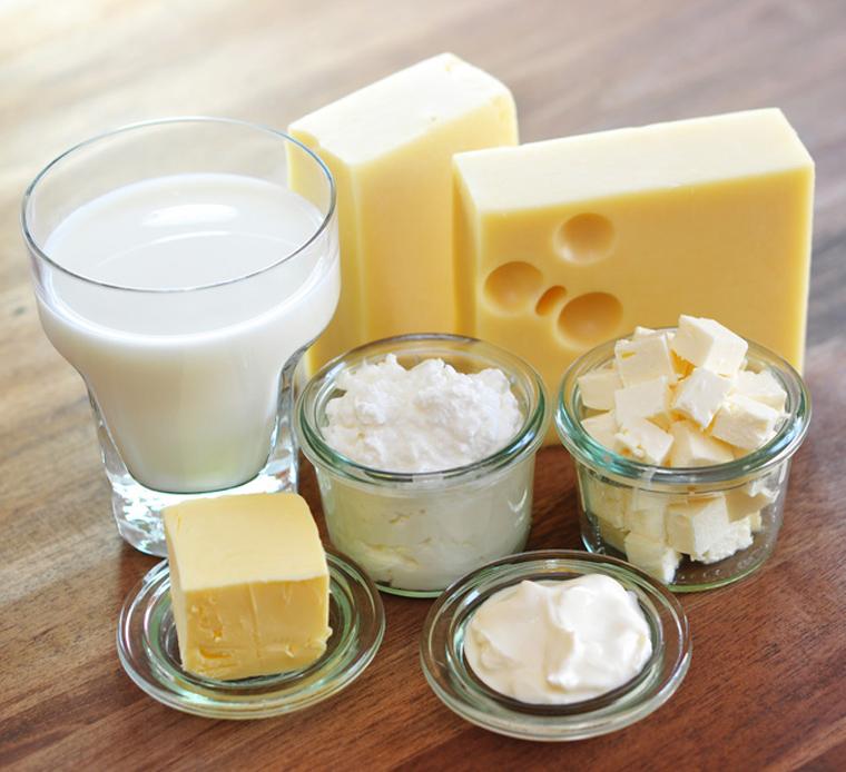 Phô mai là chế phẩm từ sữa và cũng như sữa, nó khá giàu dinh dưỡng cho bé