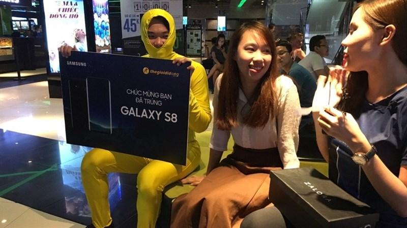 Người Vàng cùng Biệt đội S8 đã tìm ra chủ nhân may mắn trúng S8 - ảnh 1