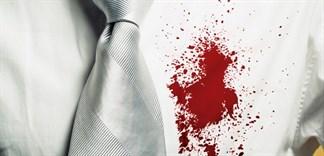 Mẹo tẩy vết máu trên quần áo với muối ăn
