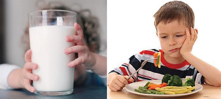 Trẻ biếng ăn có nên cho uống sữa thay cơm?