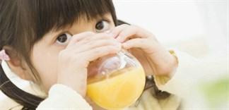 Những lưu ý khi dùng nước dinh dưỡng chiết xuất từ quả cam cho bé