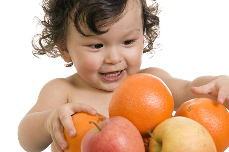 Những lưu ý khi cho bé ăn hoa quả mẹ nên biết