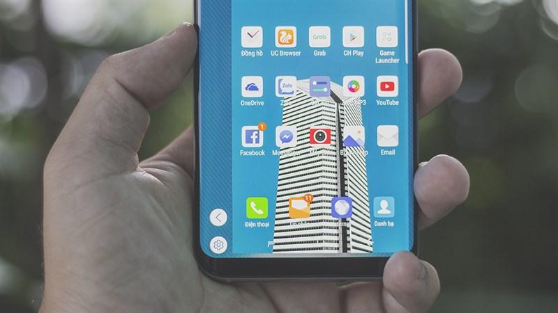 Giao diện điện thoại Samsung Galaxy S8 Plus