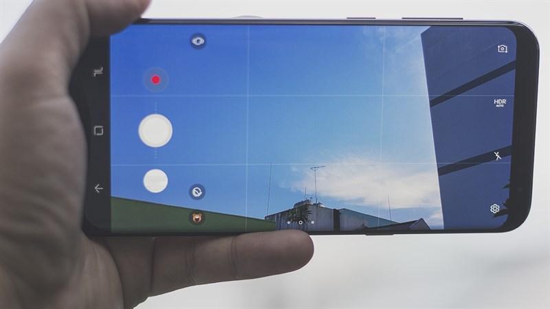 Giao diện camera trên điện thoại Samsung Galaxy S8 Plus