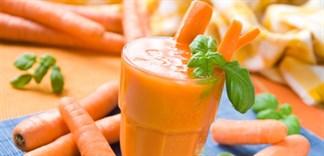 Vì sao nên cho bé uống nước ép cà rốt