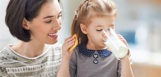 Cách tăng cân bằng sữa bột cho trẻ