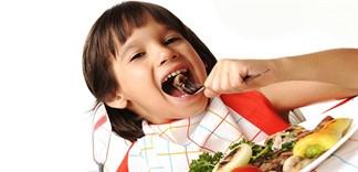 Trẻ nhỏ nên uống gì để bổ sung canxi và sắt?