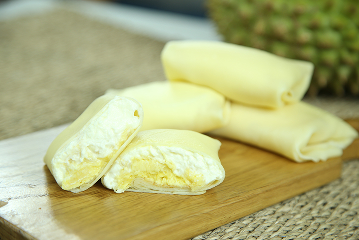 Cách làm bánh crepe sầu riêng ăn là ghiền