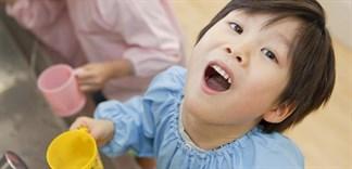 Những lưu ý mẹ cần biết khi cho bé sử dụng nước súc miệng