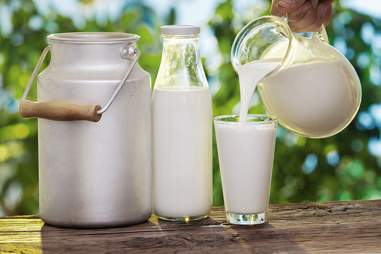 Sữa tươi có cung cấp đủ dinh dưỡng cho trẻ nhỏ?