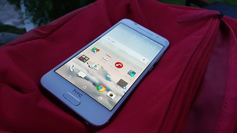 Smartphone Android đẹp như iPhone của HTC đang có giá bán rất tốt