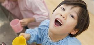 Có nên cho trẻ dùng nước súc miệng?