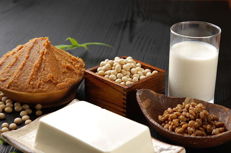 Phái mạnh uống sữa đậu nành có bị vô sinh không?