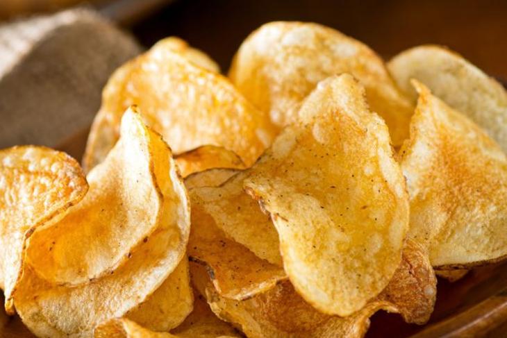 Cách làm snack khoai tây ở nhà cực đơn giản