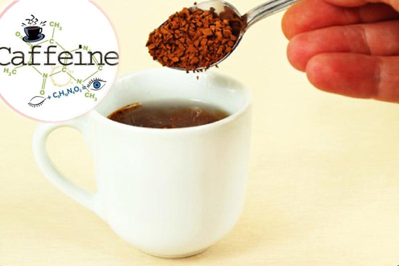 Cà phê hòa tan dù ít hơn nhưng vẫn chứa lượng caffeine cao