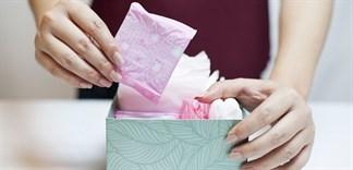 Sự thật về băng vệ sinh chứa hạt nhựa