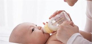 """Những nguyên tắc """"vàng"""" để chọn sữa tốt cho bé"""