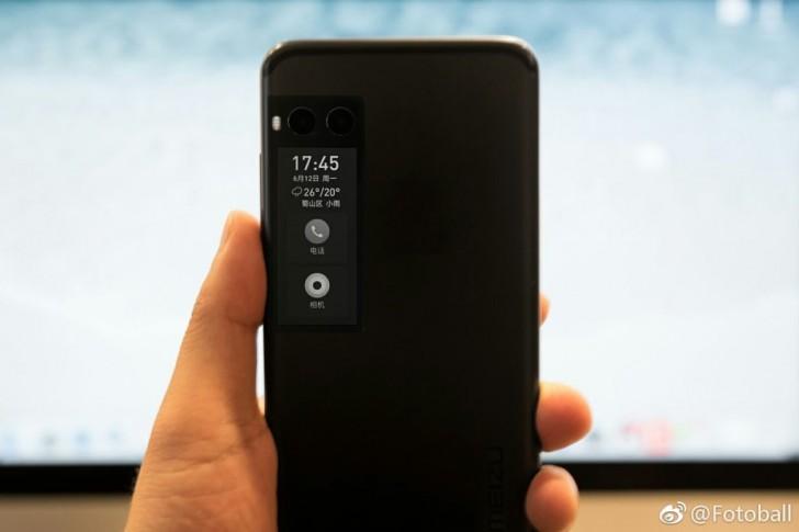 Meizu Pro 7 màn hình kép và camera kép