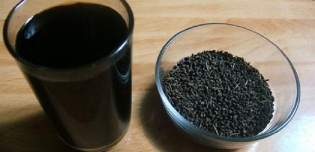 Khỏe đẹp bất ngờ từ việc uống nước đậu đen mỗi ngày