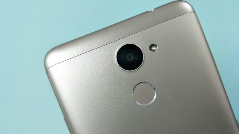 Trên tay Huawei Y7 Prime: Nhôm nguyên khối, RAM 3GB, ROM 32GB, pin 4.000 mAh giá dưới 5 triệu