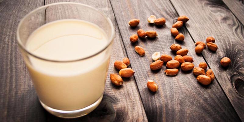 Sữa đậu phộng giàu dinh dưỡng có lợi cho bé