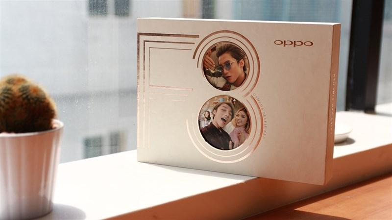 Trên tay Oppo F3 phiên bản Sơn Tùng