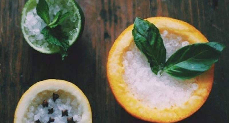 Vỏ cam, chanh và muối ăn