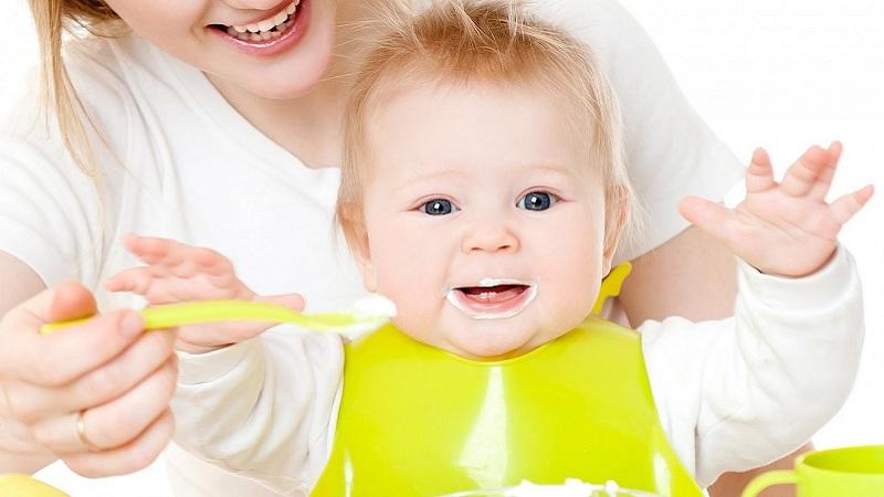 Lợi ích khi bổ sung dầu ăn cho bé