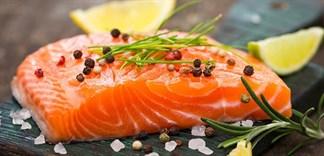 Bí quyết khử mùi tanh của cá hồi cực đơn giản
