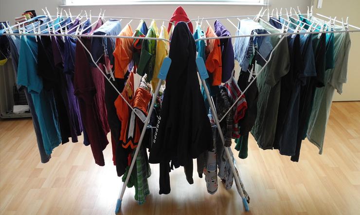 Mùa mưa bão ẩm ướt, cả ngày không có nắng, làm sao phơi quần áo mau khô?