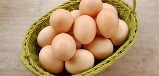 Trứng gà tăng giá, nên ăn gì thay thế?