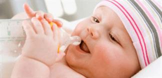 Sữa bột pha rồi để được bao lâu?