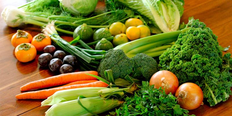 Nên ăn nhiều rau xanh khi bị sốt