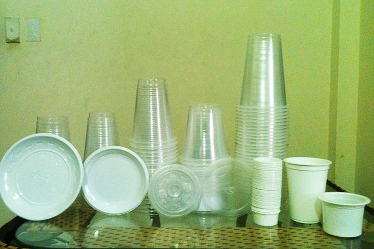 Sử dụng, bảo quản và làm sạch đồ dùng bằng nhựa đúng cách