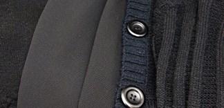 Cách giặt quần áo đen không bị phai màu