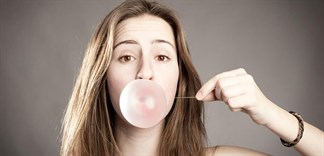 Nhai kẹo cao su mang lại lợi ích gì?