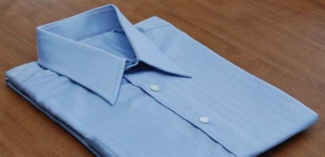 Cách gấp áo sơ mi gọn gàng