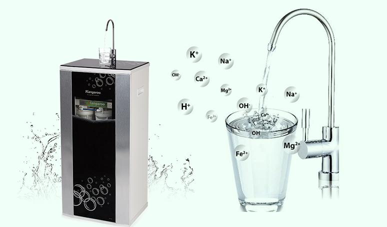 Nên uống nước hydrogen ngay sau khi rót ra khỏi vòi