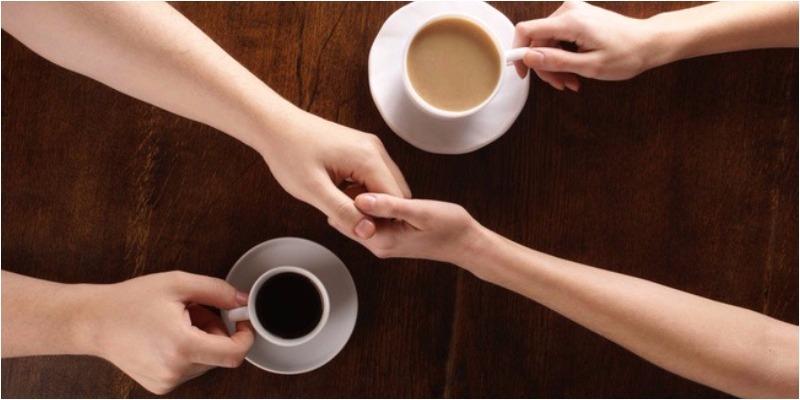Vì sao không phải đường hay sữa mà chính muối mới là thứ nên cho vào cà phê