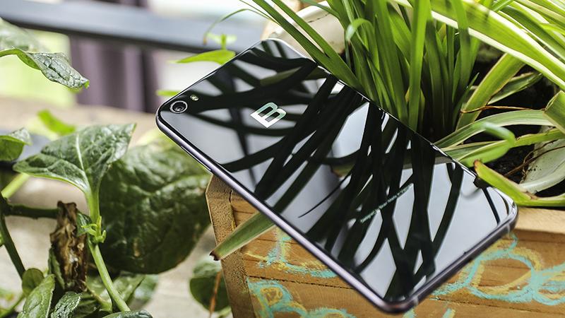 Xài Bphone 2 tôi thấy thích hơn xài iPhone