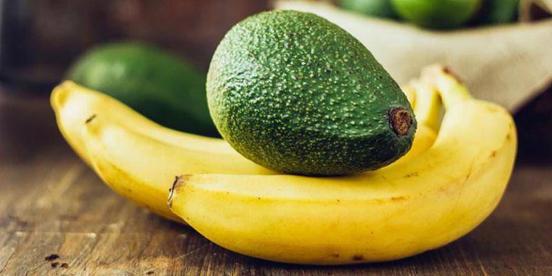 Làm bơ chín nhanh bằng trái cây khác