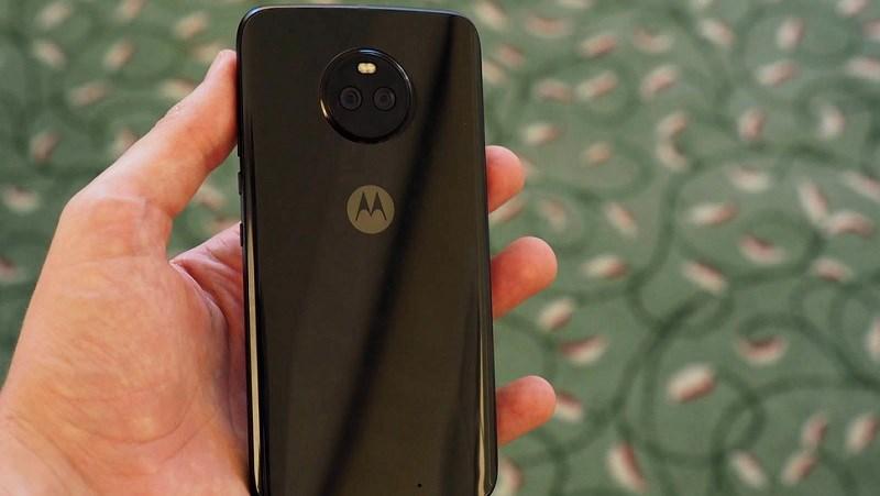 Moto X4 camera kép xóa phông, chống nước IP68 chính thức trình làng