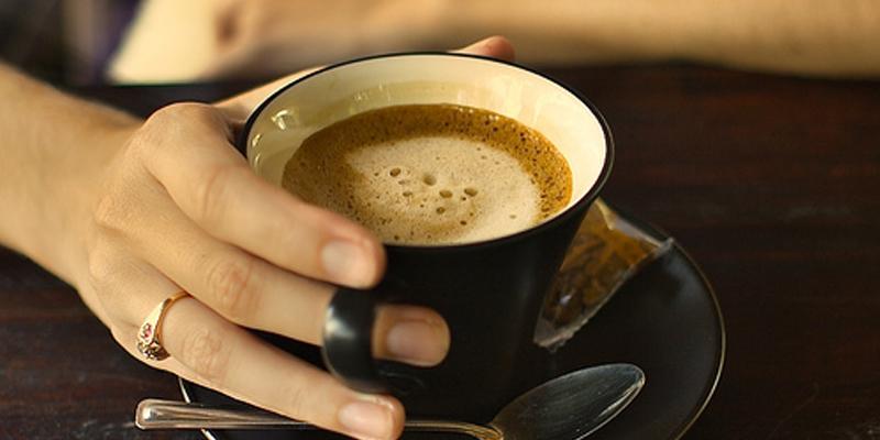 Giảm nguy cơ tử vong với 4 tách cà phê mỗi ngày, có nên ứng dụng ngay?