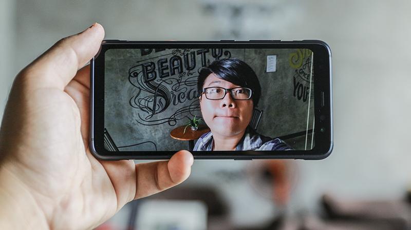 Trên tay Galaxy S8 Active