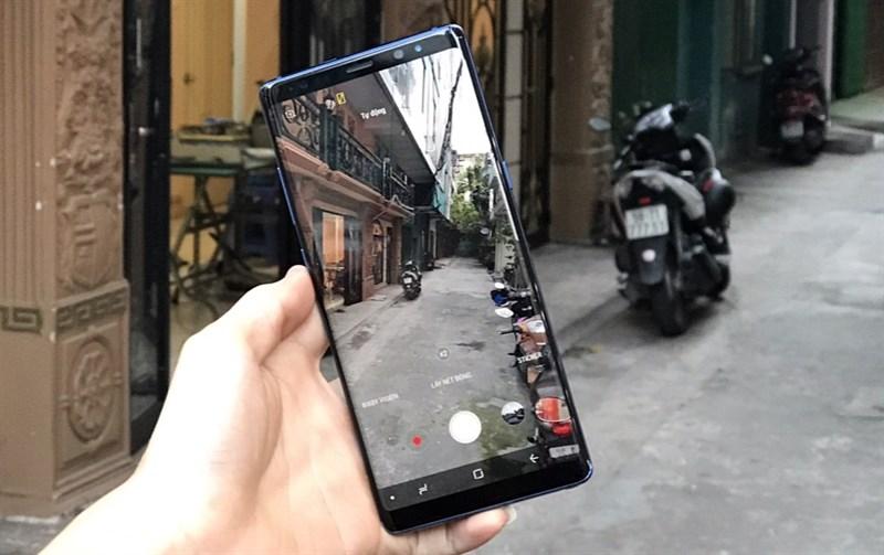 Giao diện camera trên điện thoại Samsung Galaxy Note 8